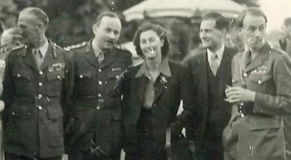 Кристина Скарбек с коллегами