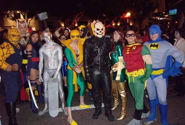 Парад костюмов на Хеллоуин
