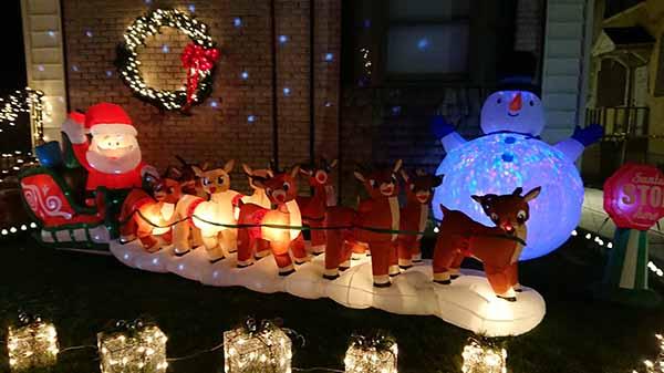 Санта с рождественскими оленями