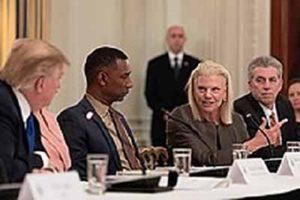Джинни Рометти в Консультативная группа Белого дома по вопросам бизнеса